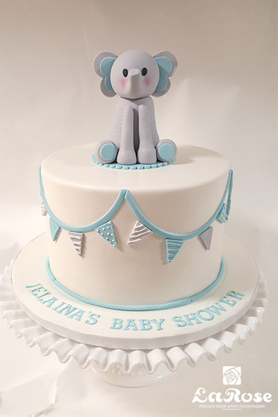 Baby showers cake by La Rose in Milton, ON
