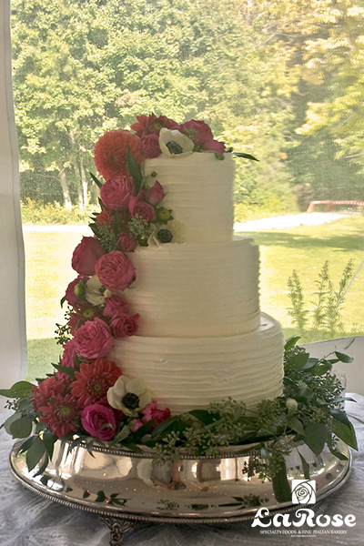 Best wedding cake - Flower theme by La Rose in Milton, ON